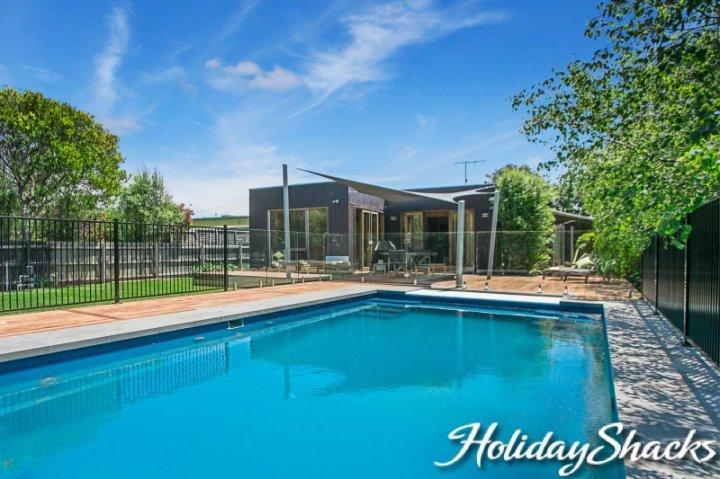 Canterbury Villa - Luxury Blairgowrie Retreat - Image 1 - Blairgowrie - rentals