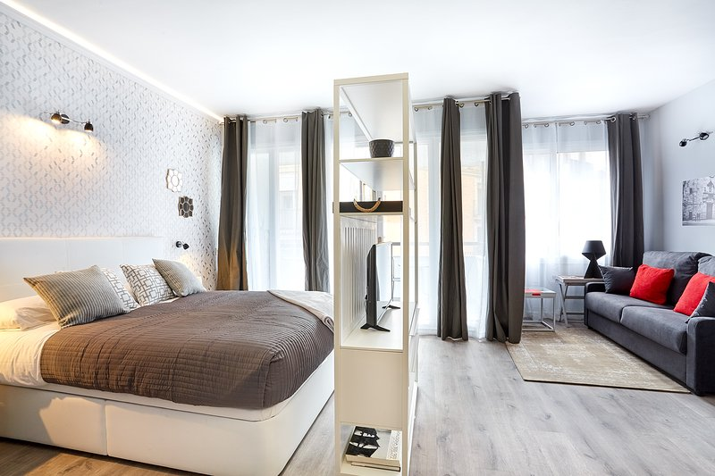 Suite A connected to Apartment B - Urban District - MA31 Apartment with terrace (3BR) 3 - MID TERM RENTALS - Barcelona - rentals