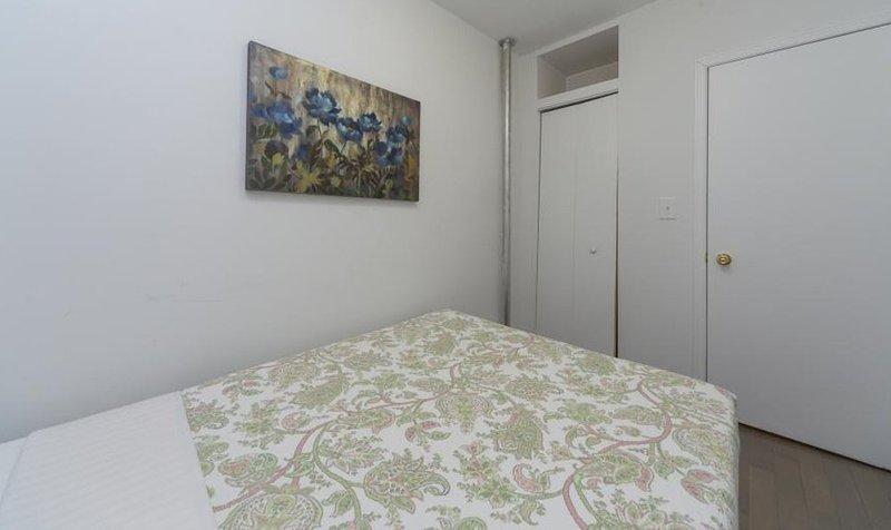 Beautiful 2 Bed 1 Bath Apartment - Image 1 - Manhattan - rentals
