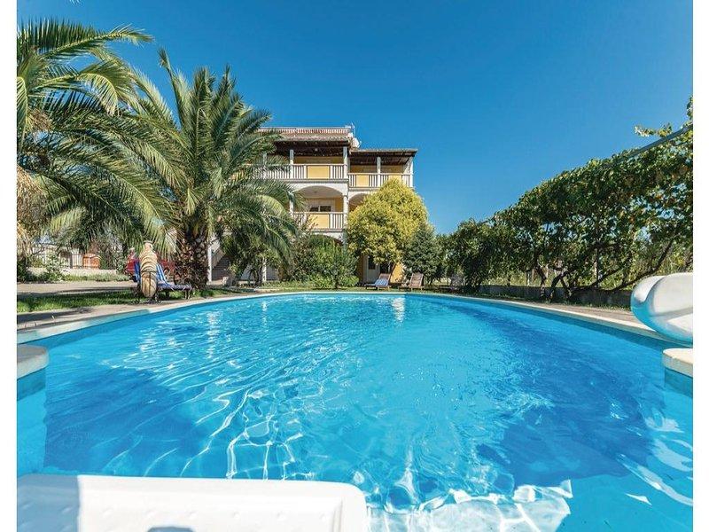 11 bedroom Villa in Biograd, Northern Dalmatia, Croatia : ref 2043911 - Image 1 - Turanj - rentals
