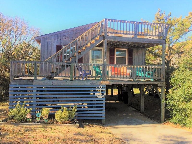 Front view of the home. - OBX Beach Charm, Pet Friendly, Linens & Wifi - Kill Devil Hills - rentals
