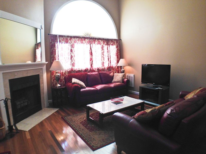 Living area - Ocean Edge Upper Level Well Maintained with pool (fees apply) - ED0253 - Brewster - rentals