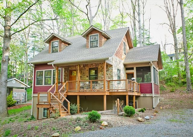 Tulip Cottage | Walking Distance to Black Mountain | Energy Star Rated Home - Image 1 - Black Mountain - rentals