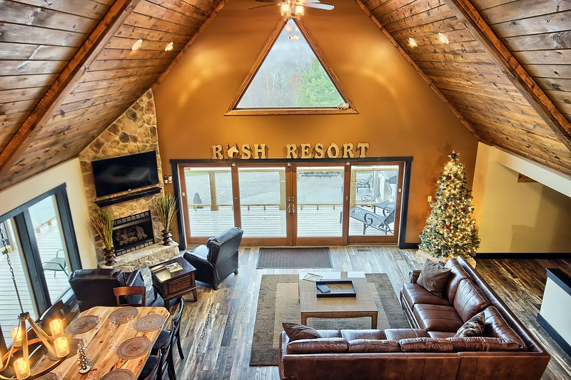 Rush Resort Luxury Lodge and Horse Stables - Image 1 - Laurelville - rentals