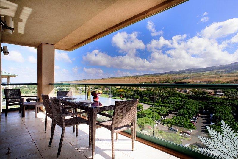 Maui Resort Rentals: Honua Kai Hokulani 1022 – Large Penthouse 2BR + Mountain - Image 1 - Lahaina - rentals