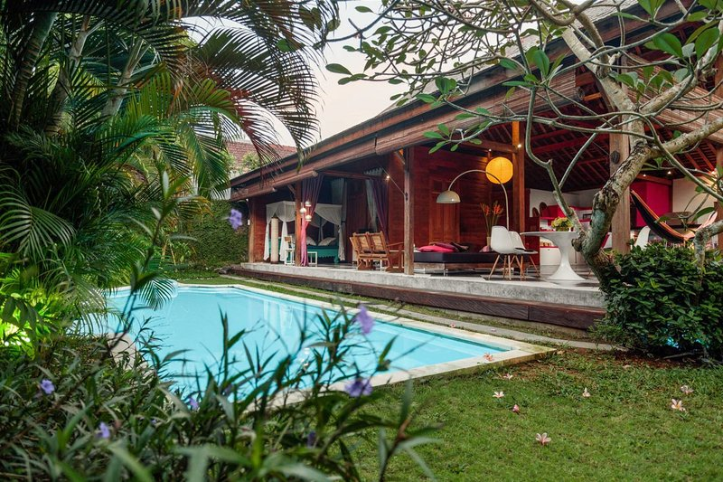 Garden and pool - Wooden House in Umalas / Seminyak - Umalas - rentals