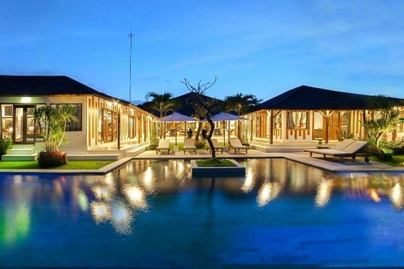 Luxury Contemporary Joglo Seminyak - Image 1 - Kuta - rentals