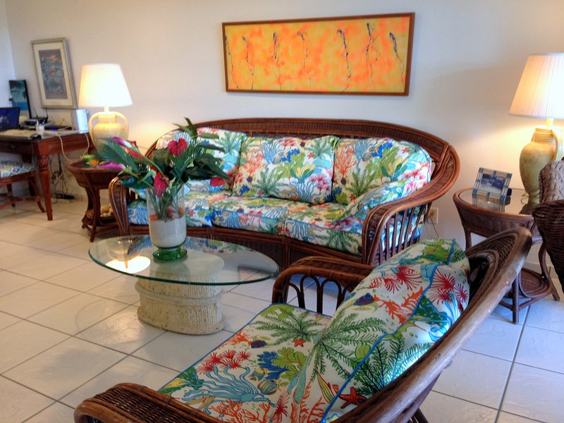 Tropical decor in spacious living room - Step Out onto Fabulous Sapphire Beach - Great Condo - Great Reviews - East End - rentals
