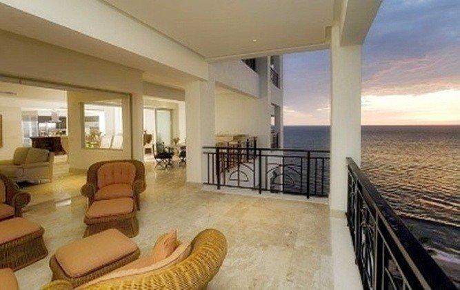 CASA VALLARTA:: Oceanfront Luxury Condo - Image 1 - Puerto Vallarta - rentals