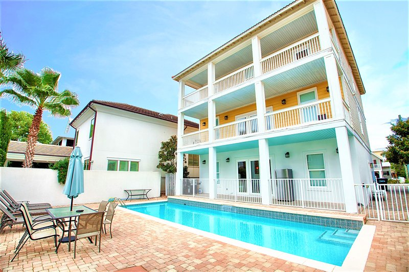 Large Private Pool at Olympia feat. Full Size Fridge and Gas Grill - ⭐️20% OFF MARCH at Olympia: Private Pool, Game Room, Sleeps 20, Near Beach! - Miramar Beach - rentals