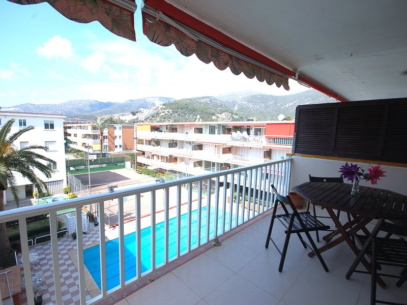 APARTMENT in CASTELLDEFELS with POOL TENIS BASKET - Image 1 - Castelldefels - rentals