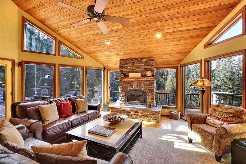 Cabin in the Woods - walkable to Town! NOTHING LIKE IT! Sleeps 12! 25% Off JAN-F - Image 1 - Breckenridge - rentals