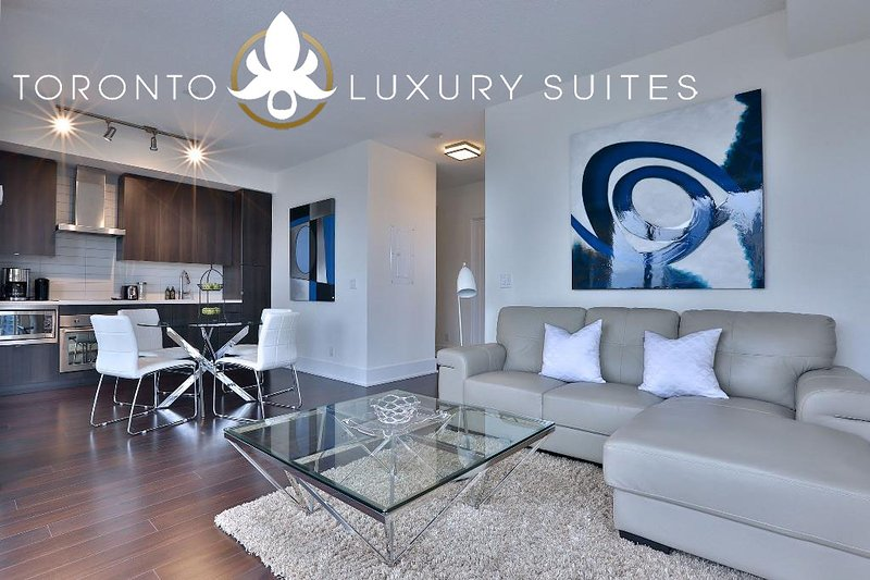 Top Flight - King West Luxury Condo Furnished All Inclusive - Image 1 - Toronto - rentals
