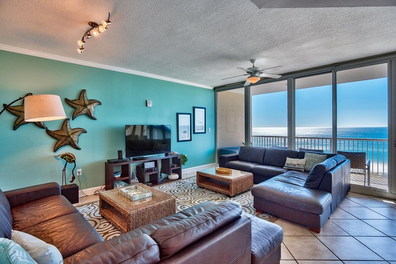 modern but cozy with leather sectionals, room to spread out, wi-fi TV, SONOS speaker - If Barbie Were Condo: VaVaVoom Views, all 5 STAR reviews! - Gulf Shores - rentals