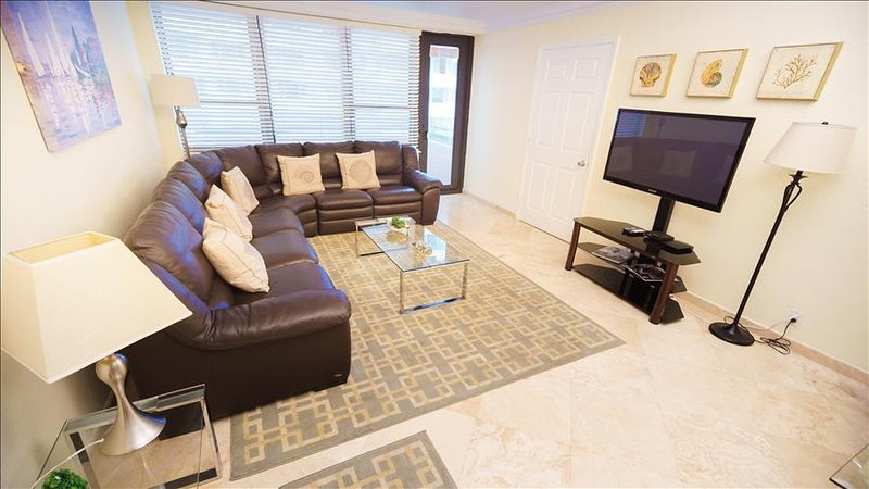 Millionaire's Row Spacious Deluxe Two Bedroom  1AX2EAZ - Image 1 - Miami Beach - rentals
