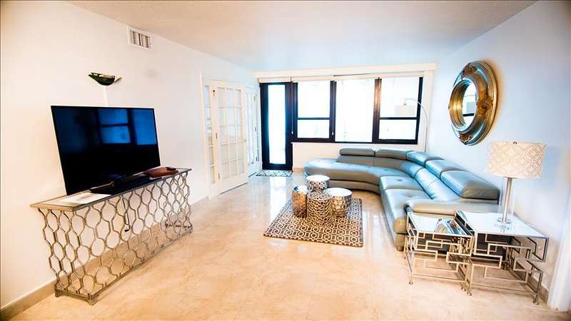 Premium Two Bedroom Suite on Millionaire's Row 1AX2IZE - Image 1 - Miami Beach - rentals