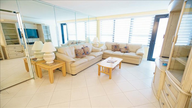 One of a Kind Deluxe Two Bedroom on Millionaire's Row 1AX2EAG - Image 1 - Miami Beach - rentals