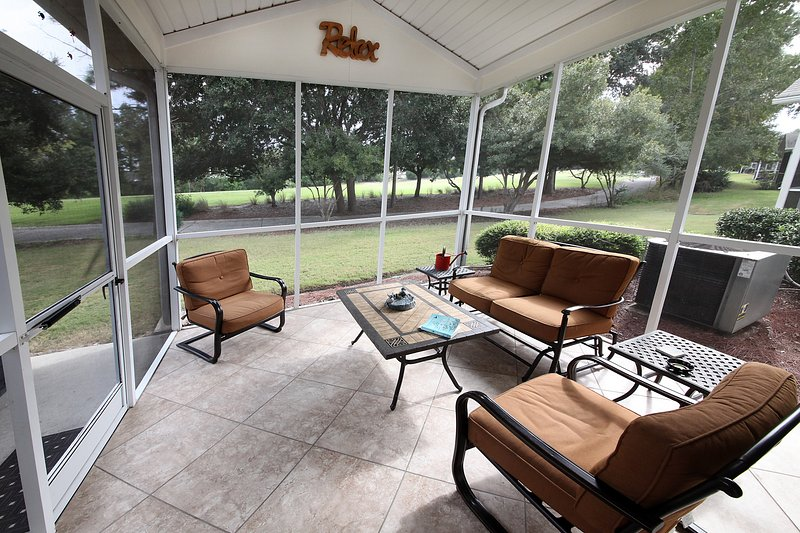Relax with view of #13 hole and your morning cup of coffee watching golfers play - Stunning! Barefoot Resort Beach or Golf Vacation - North Myrtle Beach - rentals