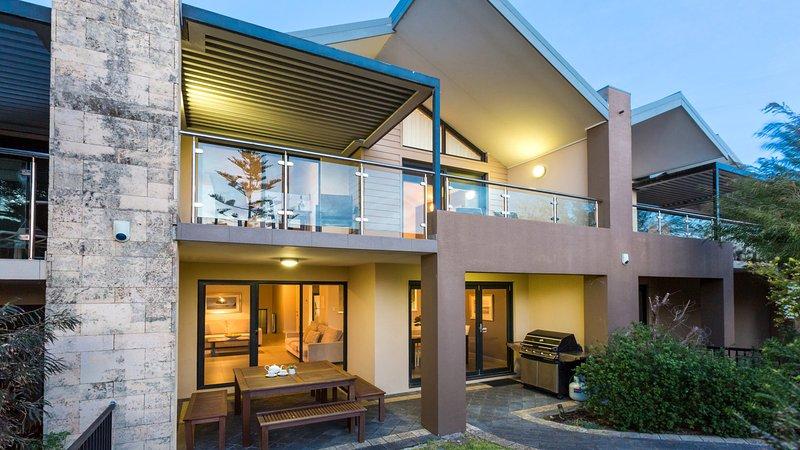 Surfside 8 - Image 1 - Yallingup - rentals