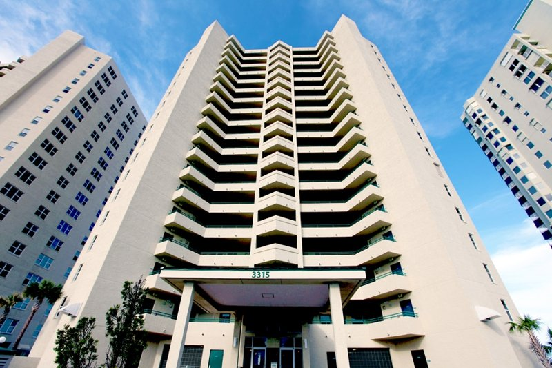 Oceanfront 3bed/2Bath Condo At Twin Towers #1106 - Image 1 - Daytona Beach Shores - rentals