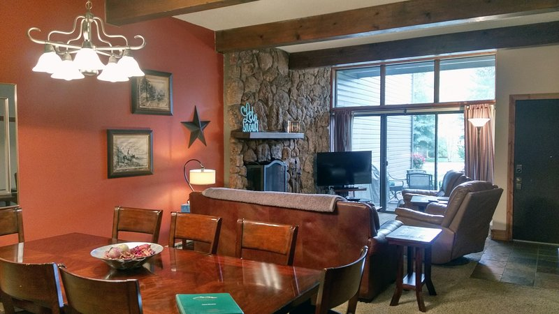 BC West #3 Living room with sofa bed, wood fireplace, dining table, and patio w/ gas BBQ - BC West 3 w/ FREE Skier Shuttle - Avon - rentals