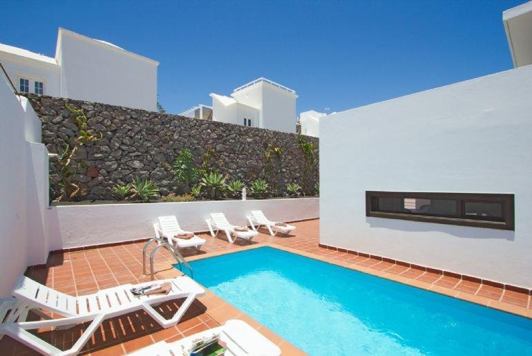 Villa Julianne Carmen 2 2489 - Image 1 - Puerto Del Carmen - rentals
