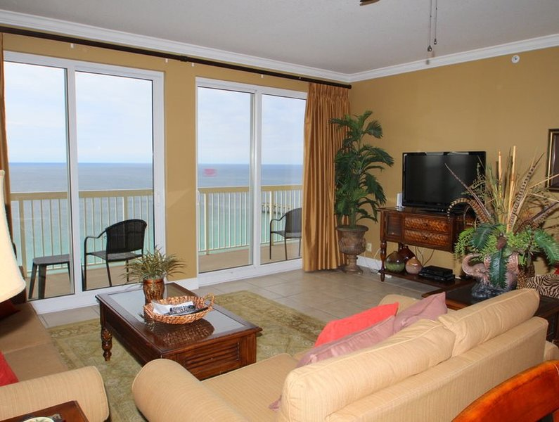 Enjoy FREE BEACH CHAIR SERVICE and PRIVATE PARKING with this 2 Bedroom CORNER Condo at Calypso Resort! - Image 1 - Panama City Beach - rentals