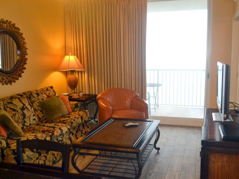 Enjoy FREE BEACH CHAIR SERVICE with rental of our 3 bedroom at Majestic Beach Resort with a Breathtaking View from the 12th Floor! - Image 1 - Panama City Beach - rentals