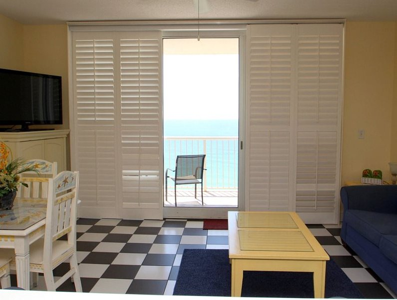Find Your New Home Away from Home and Enjoy FREE BEACH CHAIR SERVICE with this 1 bedroom at Majestic Beach Resort - Image 1 - Panama City Beach - rentals