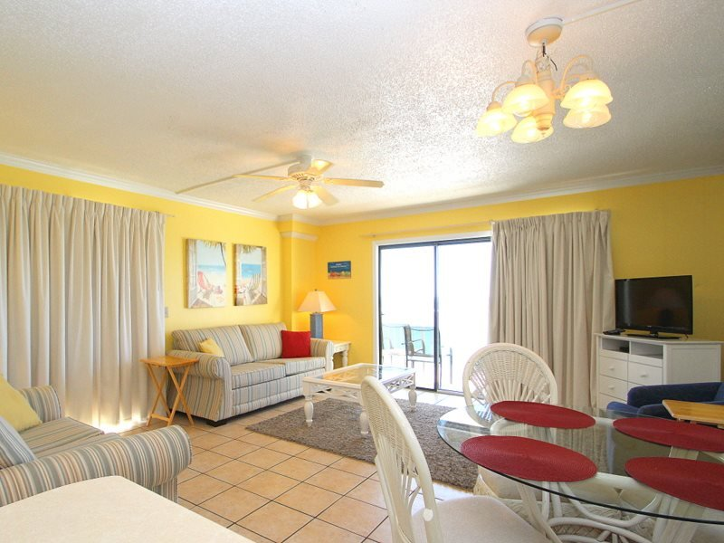 Under 21? No Problem! Enjoy FREE BEACH CHAIR SERVICE with this 2 Bedroom, 2 Bath at The Summit! Sleeps 8 Guests - Image 1 - Thomas Drive - rentals