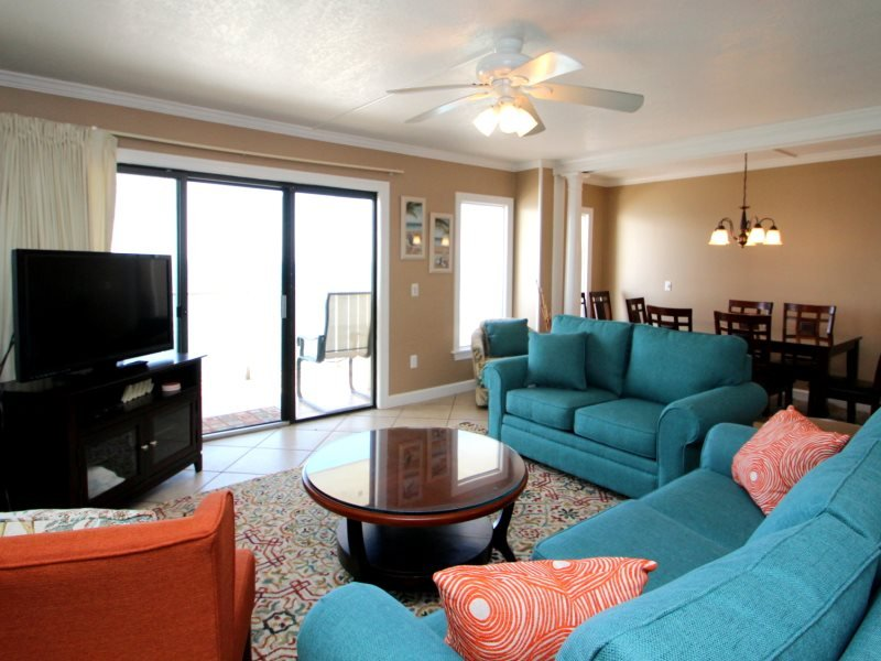Enjoy FREE BEACH CHAIR SERVICE with this 3 Bedroom, 3 Bath at The Summit which Sleeps 12 Guests!! - Image 1 - Thomas Drive - rentals