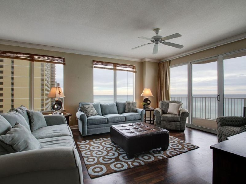 Enjoy FREE BEACH CHAIR SERVICE with rental of our beautiful 6th floor 3 Bedroom at Grandview - Image 1 - Panama City Beach - rentals