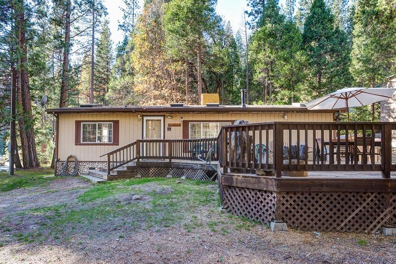 Rosenberg's Creekside Cabin - (42R) Rosenberg's Creekside Cabin - Wawona - rentals