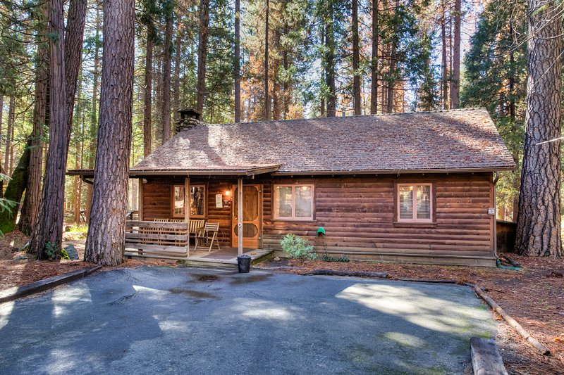Creekside Cabin - (53) Creekside Cabin - Wawona - rentals