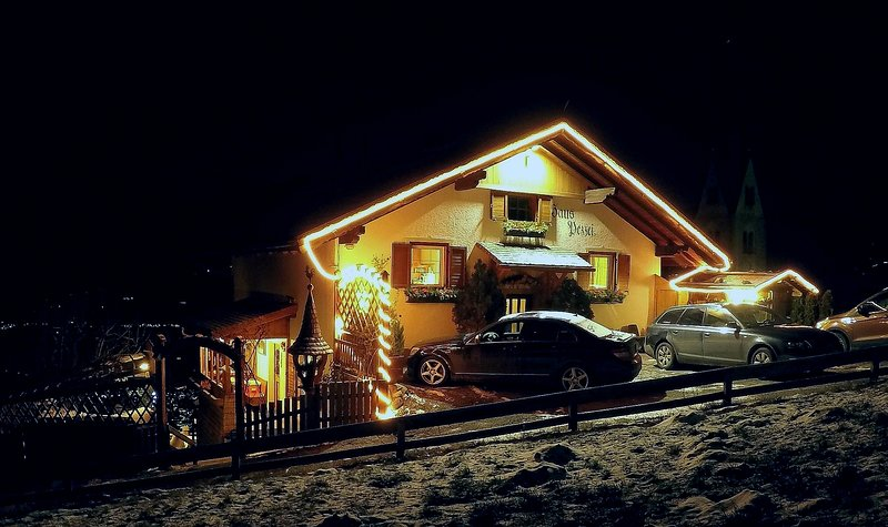 Entrance and parking. Accommodation for up to 8 persons... - Dolomites Holiday Flat 8 Persons - Bressanone - Bressanone - rentals