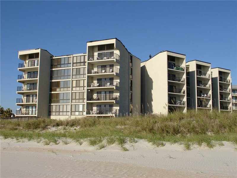 Shipyard A53 - Oceanfront - Image 1 - Pawleys Island - rentals