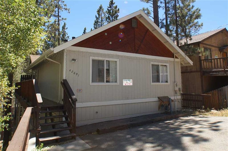 """Chateau Penguin"" - Image 1 - City of Big Bear Lake - rentals"