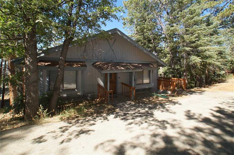 La Crescenta - Image 1 - Big Bear City - rentals