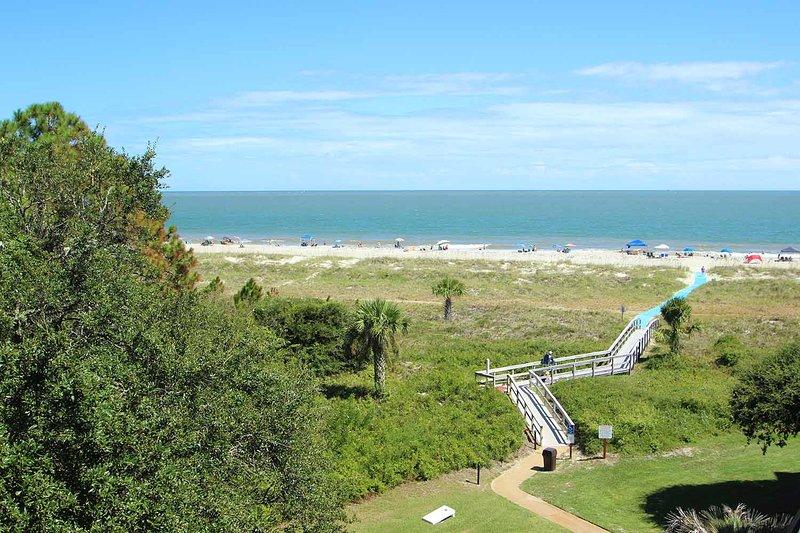 Island Club, 1502 - Image 1 - Hilton Head - rentals