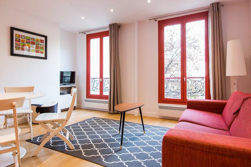 Heart Of Montmartre / Garden View - Image 1 - Paris - rentals