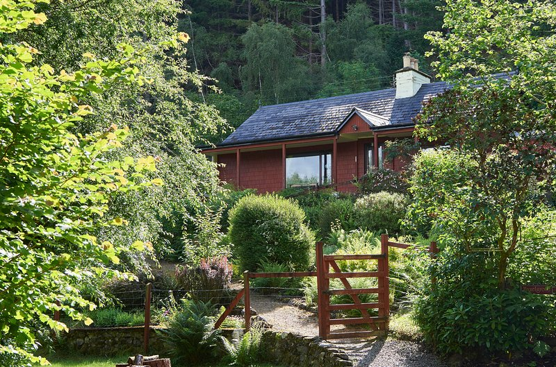Hazelgrove Cottage - Hazelgrove Cottage, Loch Ness, Scottish Highlands - Foyers - rentals