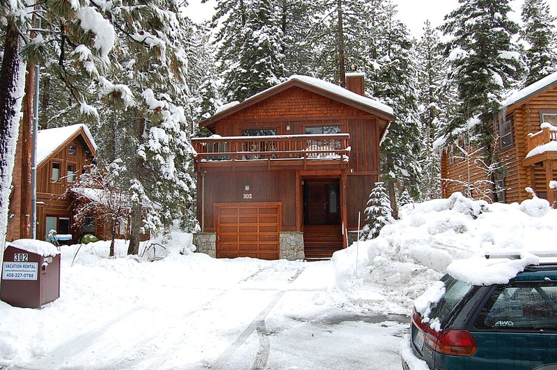 Agatam Lodge in the Winter - Agatam Lodge,10-20 Min N'star & Squaw,Walk to Dine - Tahoe Vista - rentals