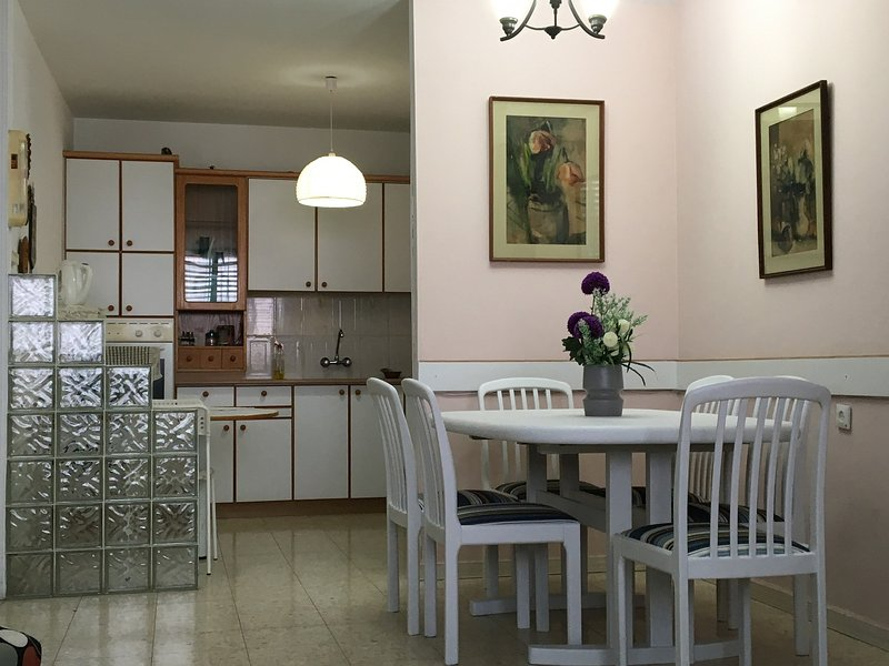 3 R apartment near the sea in center of Netanya - Image 1 - Netanya - rentals