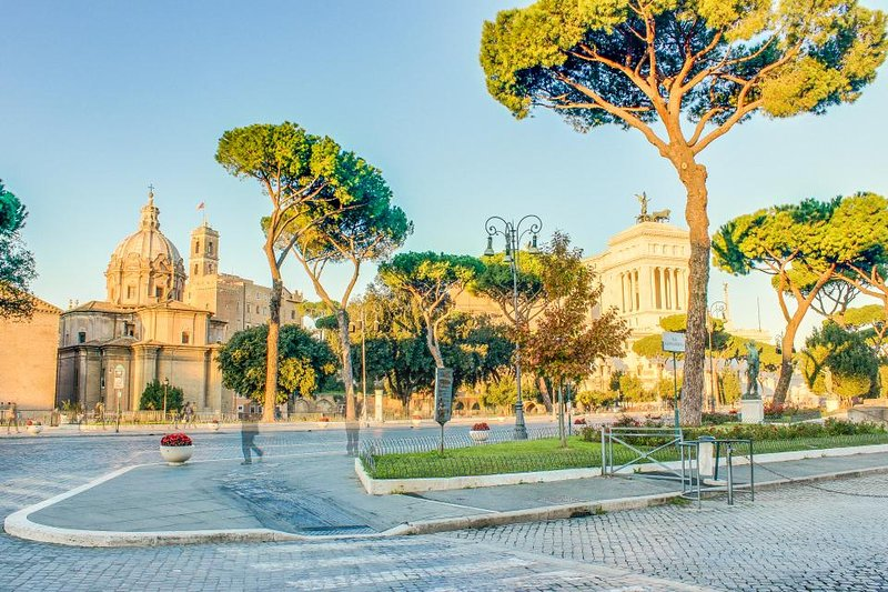 Rome is at your doorstep -  walk to Colosseum, Forum & more! - Image 1 - Rome - rentals