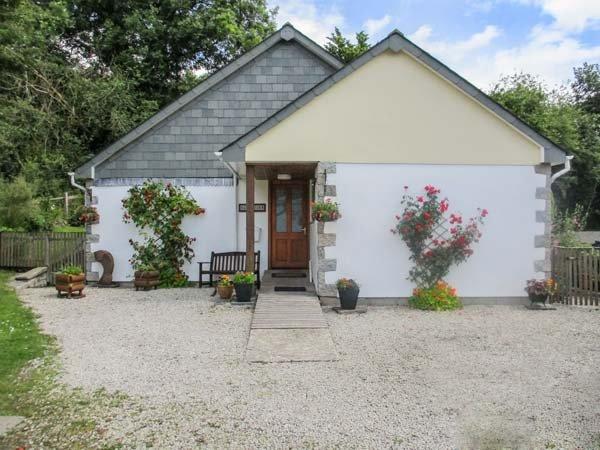 PER ARDUA, single-storey, en-suite, off road parking, patio, in Liskeard, Ref 912231 - Image 1 - Liskeard - rentals