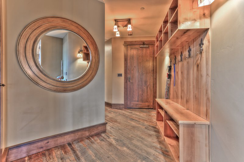 Entry with Ski Storage - Deer Valley Arrowleaf Penthouse Ski-In/Out - Park City - rentals