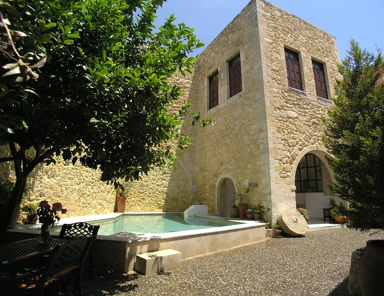 Venetian building 15th century 540M2  - Venetian castle 15th Century, heated pool (owner Booking) - Rethymnon - rentals