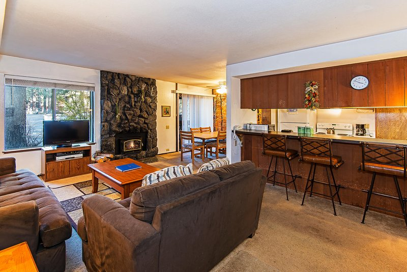 Gorgeous 2 Bedroom/2 Bathroom House in Mammoth Lakes (Horizons 4 #157) - Image 1 - Mammoth Lakes - rentals
