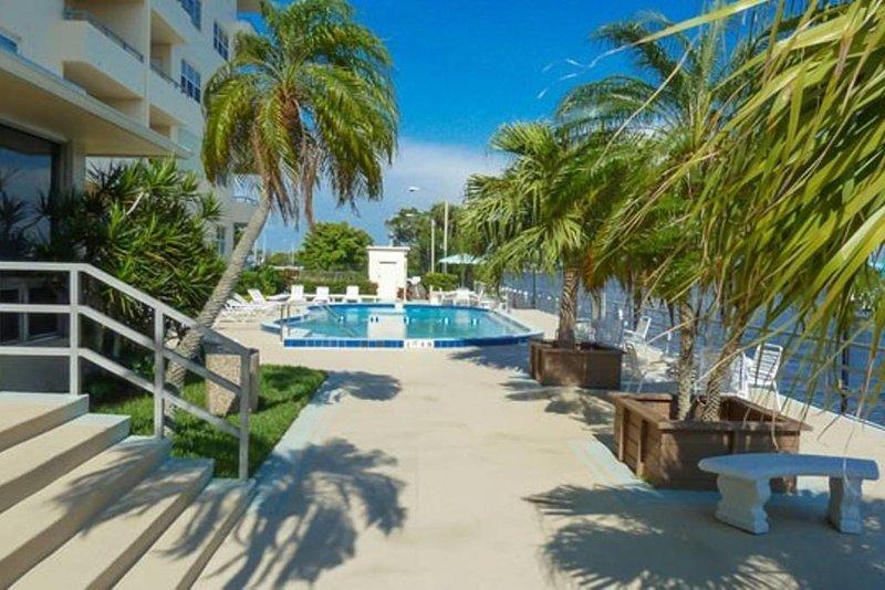Condo Bella - Elegant Riverside Condo - Image 1 - Fort Myers - rentals
