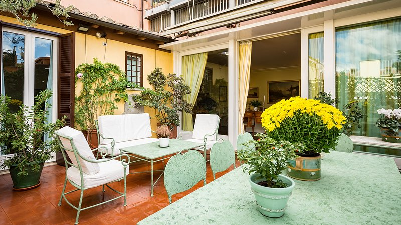 Large and lovely terrace - Perfect Luxury Spanish Steps, Gorgeous Large & Lush Terrace, Spagna Apartment - Rome - rentals